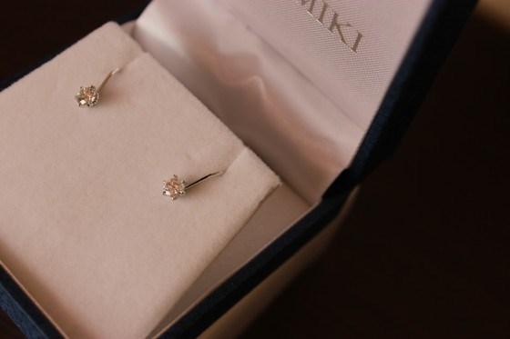 ダイヤモンドのイヤリング