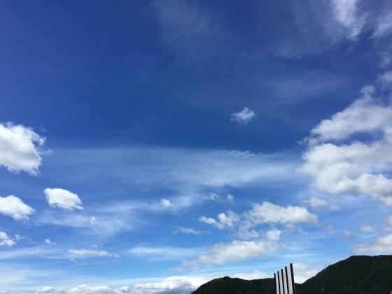 台風16号後の青空