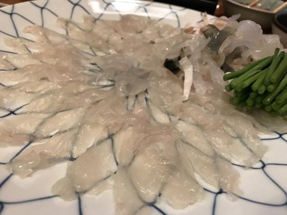 大分でふぐを食べるなら都町にある「てつ」!てっさ、河豚の白子焼きなど抜群!