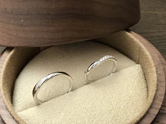 宮崎県延岡、門川、日向、宮崎、都農、高鍋、都城、小林、えびのでダイヤモンド婚約指輪でプロポーズ、結婚指輪、エンゲージリング、マリッジリング、婚約リング、結婚リングお探しならジュエルミキ延岡店へ。鍛造オリジナル結婚指輪、COLANY(コラニー)、ウィリアムレニーダイヤモンド、幅広指輪、フルエタニティリング大好評。口コミサイトRingraph(リングラフ)で第1位獲得、ベストコラニスト実績あり。スマホサイトはこちら。http://www.jewelmiki-bridal.com