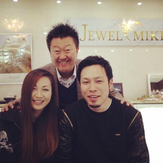 大分で、ダイヤモンド婚約指輪(エンゲージリング)なら、宝石鑑定士のいるジュエルミキ大分店へ。