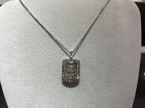 ダイヤモンド3カラットのペンダントネックレス!大分、延岡、宮崎でリッチカジュアル、ラグジュアリー、ゴージャスなリングやネックレスなどのジュエリーならジュエルミキへ!