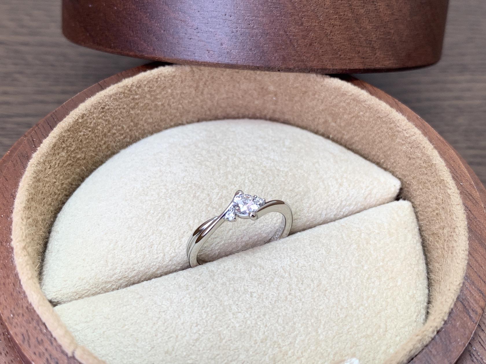 コラニー婚約指輪 ジュエルミキ